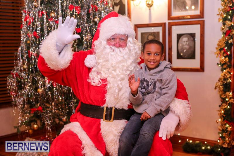 Santa-Claus-In-St-Georges-Bermuda-December-5-2015-69