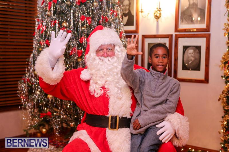 Santa-Claus-In-St-Georges-Bermuda-December-5-2015-70