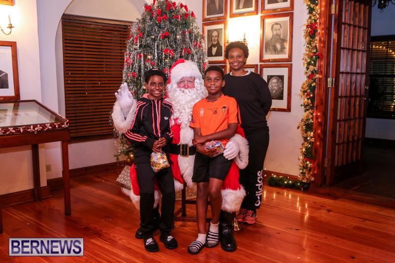 Santa-Claus-In-St-Georges-Bermuda-December-5-2015-75