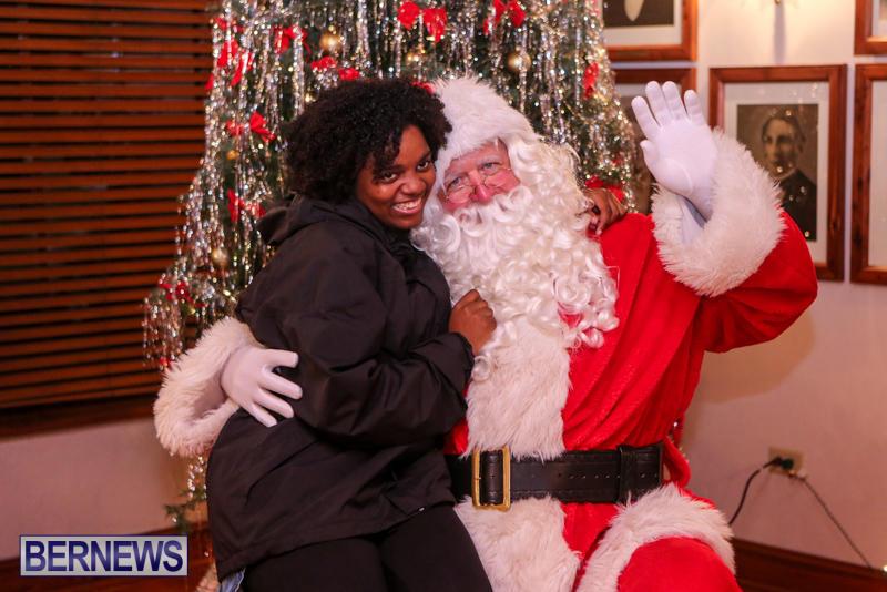 Santa-Claus-In-St-Georges-Bermuda-December-5-2015-79