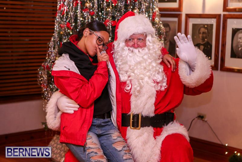 Santa-Claus-In-St-Georges-Bermuda-December-5-2015-80