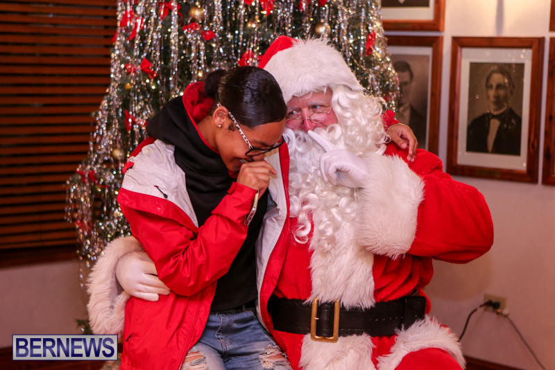 Santa-Claus-In-St-Georges-Bermuda-December-5-2015-81