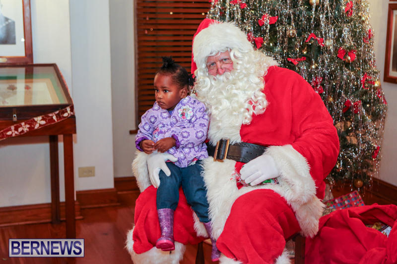 Santa-Claus-In-St-Georges-Bermuda-December-5-2015-9