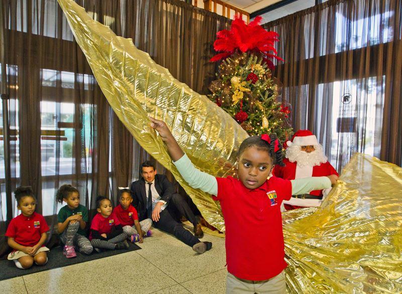 Santa Visits Post Office (3)