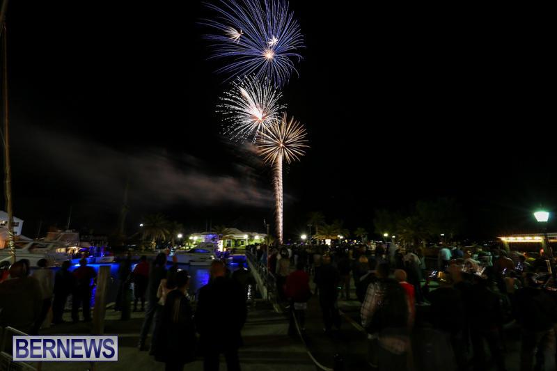 New-Years-Eve-Fireworks-St-Georges-Bermuda-December-31-2015-13