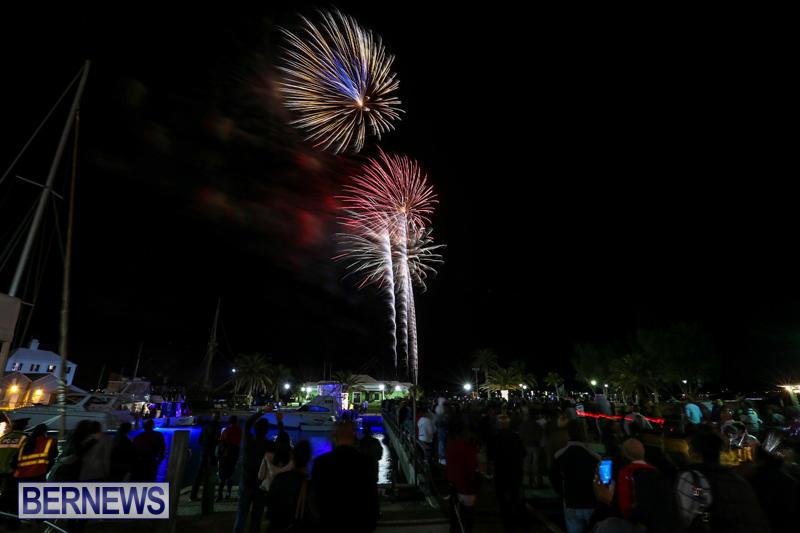 New-Years-Eve-Fireworks-St-Georges-Bermuda-December-31-2015-14