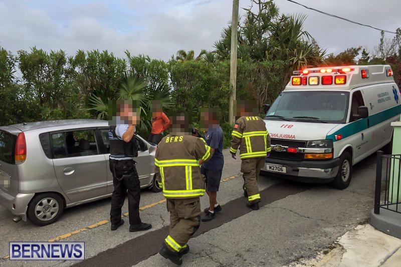 Car Collision Dock Hill Bermuda, March 28 2016-1