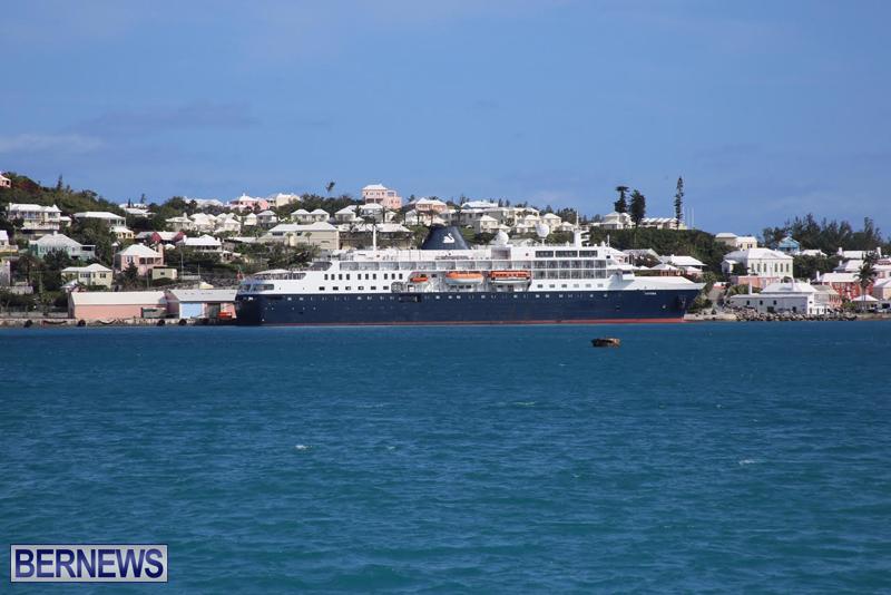 Cruise ship in St George Bermuda March 30 2016 (1)