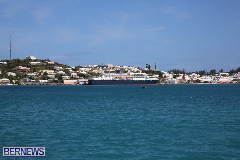 Cruise ship in St George Bermuda March 30 2016 (2)