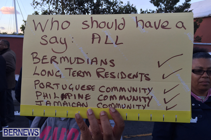 Protesters-On-East-Broadway-Bermuda-Mar-1-2016-15