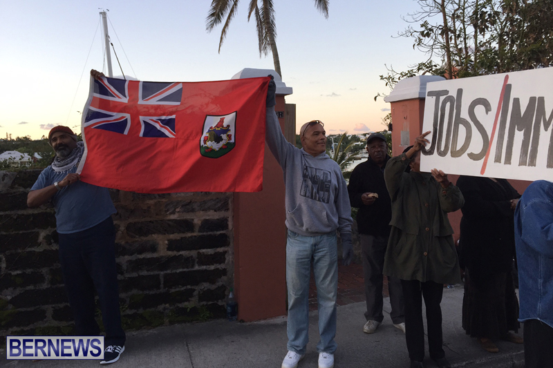 Protesters-On-East-Broadway-Bermuda-Mar-1-2016-18