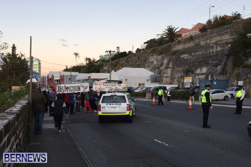 Protesters-On-East-Broadway-Bermuda-Mar-1-2016-22