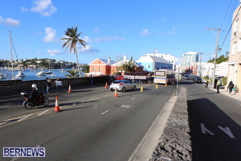 Protesters-On-East-Broadway-Bermuda-Mar-1-2016-28a