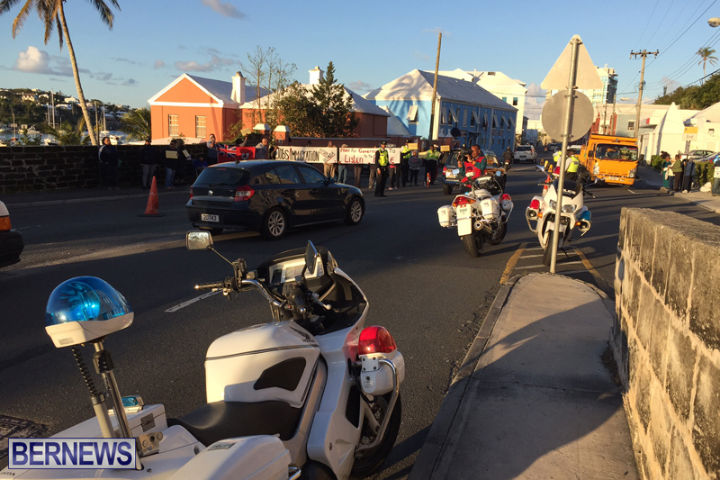 Protesters-On-East-Broadway-Bermuda-Mar-1-2016-3