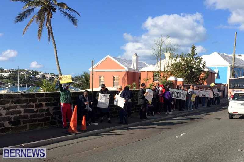 Protesters-On-East-Broadway-Bermuda-Mar-1-2016-36