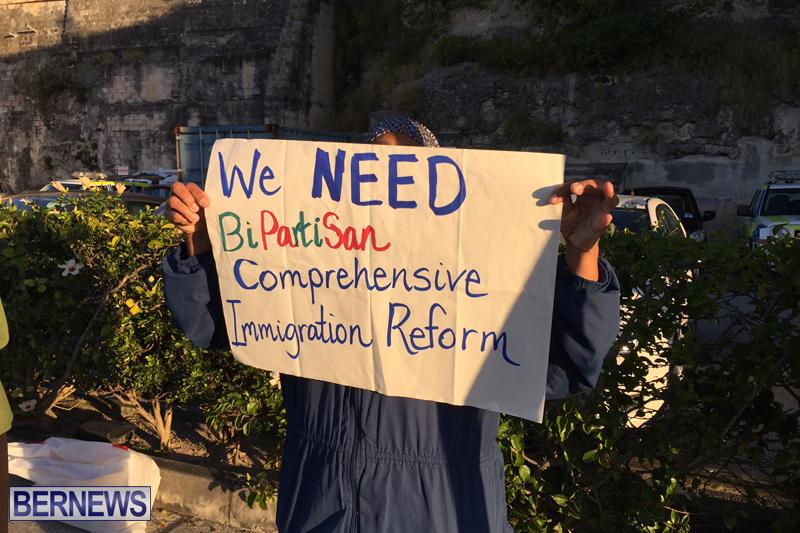 Protesters-On-East-Broadway-Bermuda-Mar-1-2016-6