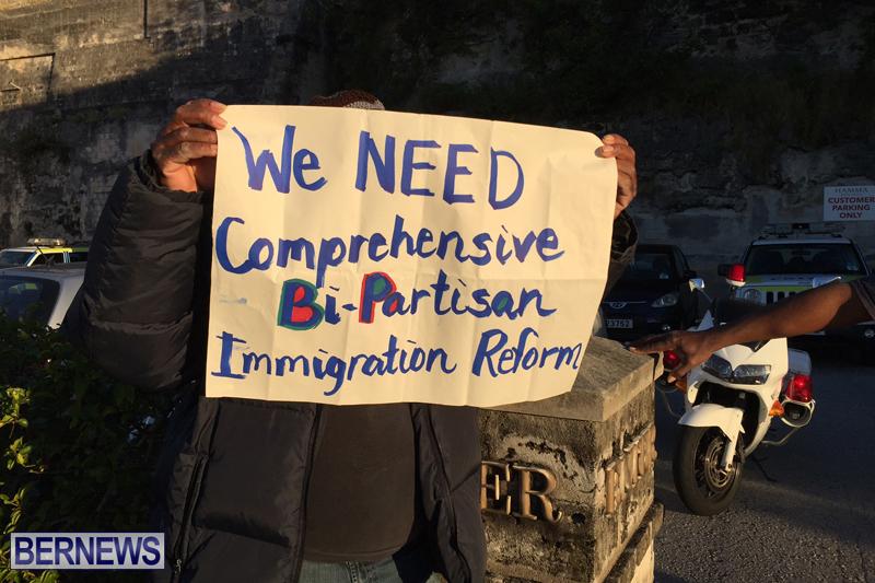 Protesters-On-East-Broadway-Bermuda-Mar-1-2016-7