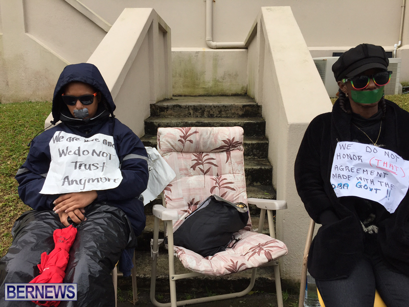 Silent Protest at HOA Bermuda March 21 2016 (13)
