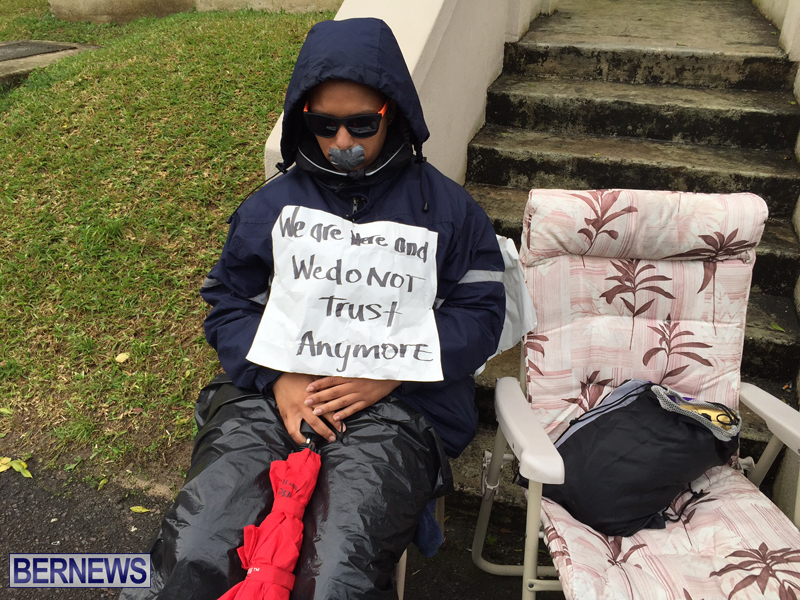 Silent Protest at HOA Bermuda March 21 2016 (14)