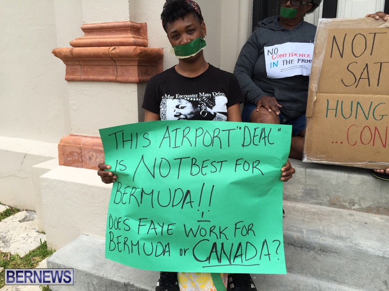 Silent Protest at HOA Bermuda March 21 2016 (35)