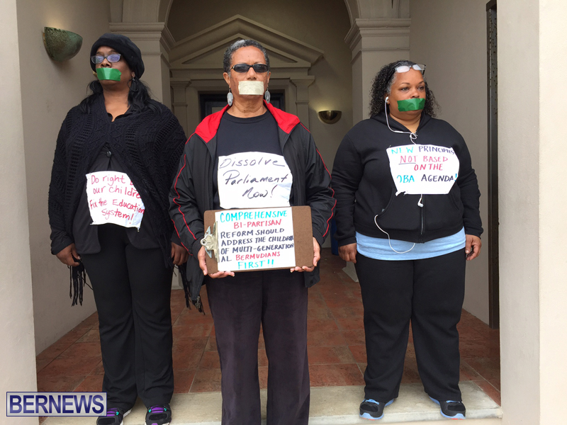 Silent Protest at HOA Bermuda March 21 2016 (5)