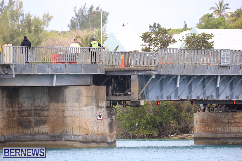 swing-bridge-testing-march-2016-bermuda-13