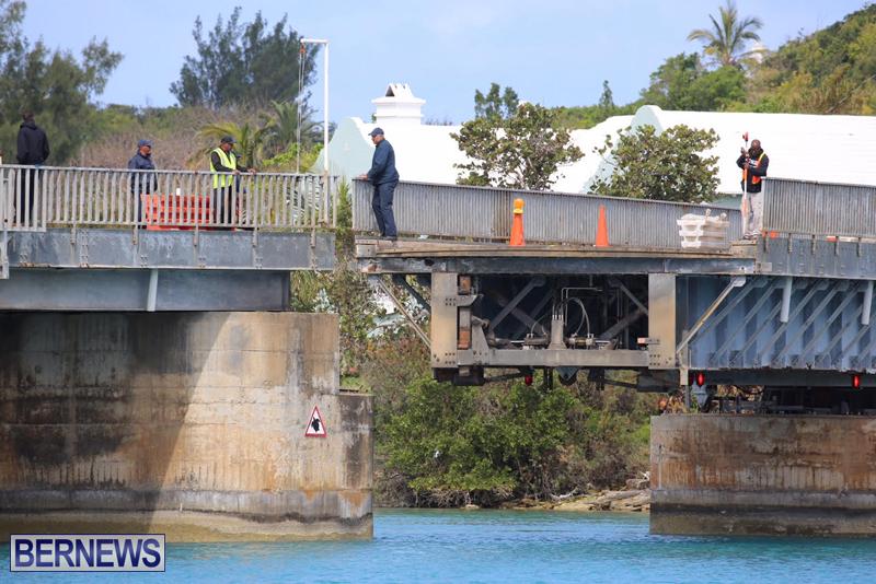 swing-bridge-testing-march-2016-bermuda-51