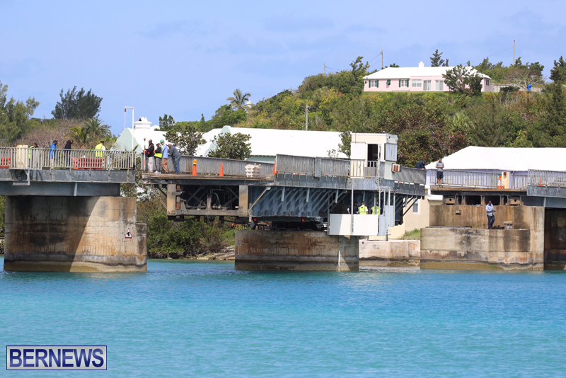 swing-bridge-testing-march-2016-bermuda-8
