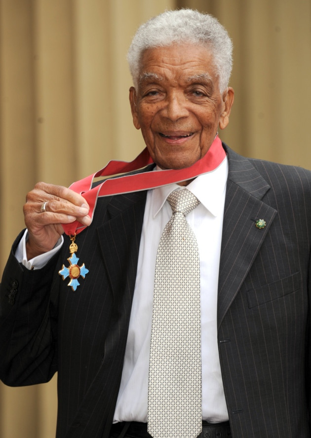 Earl Cameron outside Buckingham Palace