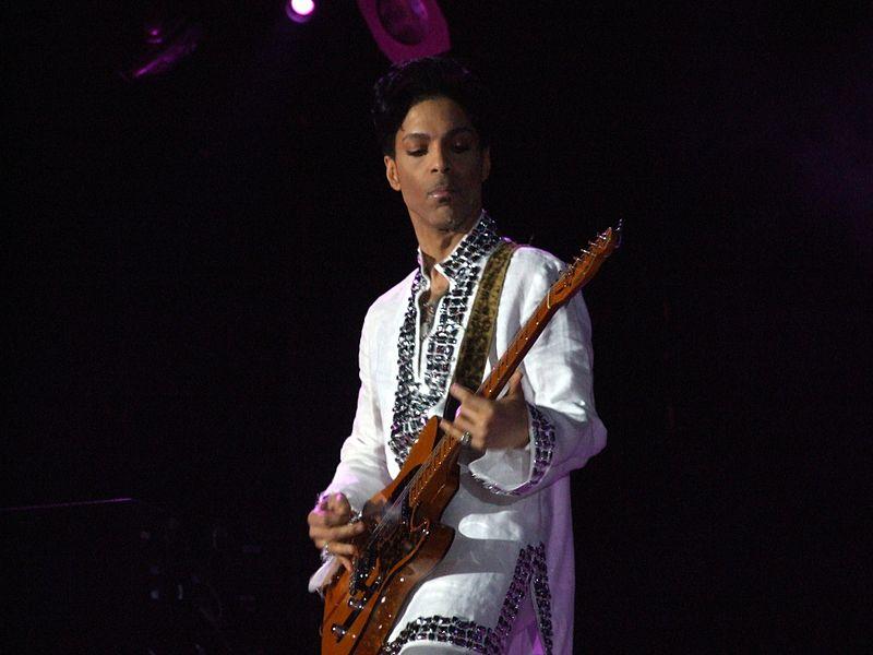 800px-Prince_at_Coachella