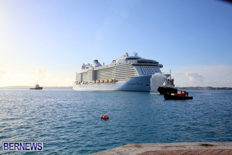Anthem-of-Seas-cruise-ship-in-Bermuda-April-2016-2