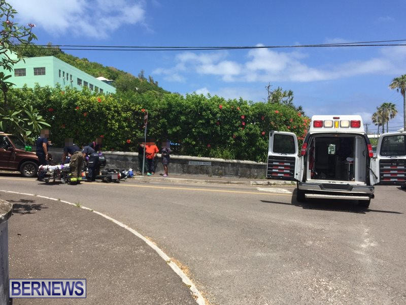 Collision Berkeley Road Bermuda, May 21 2016 (1)