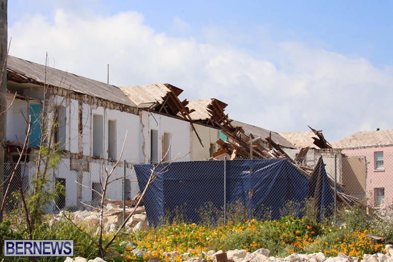 Victoria-Row-demolishing-Bermuda-May-2016-1