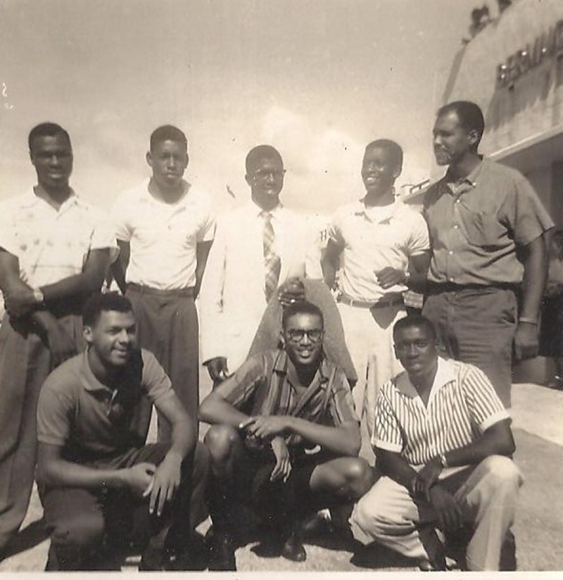 1963 - Principal Ed deJean & howard Academy students @ Bda Airport