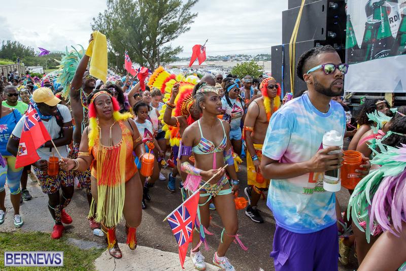 BHW-Parade-of-Bands-Bermuda-Carnival-GT-2016-17