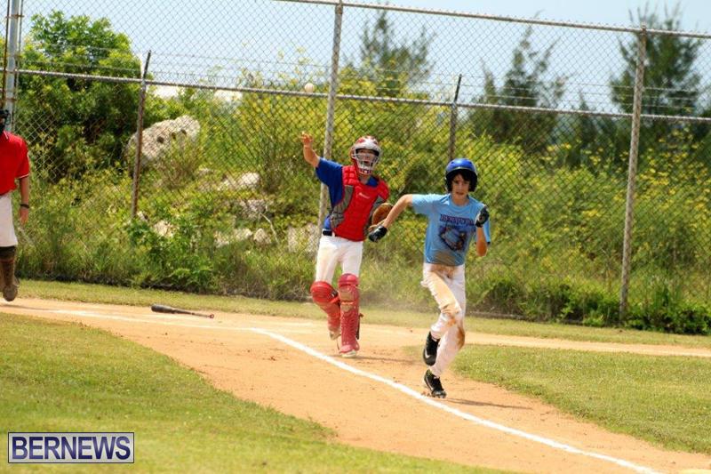 Yao-Baseball-Cubs-Marlins-Bermuda-June-29-2016-14