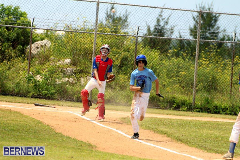 Yao-Baseball-Cubs-Marlins-Bermuda-June-29-2016-15