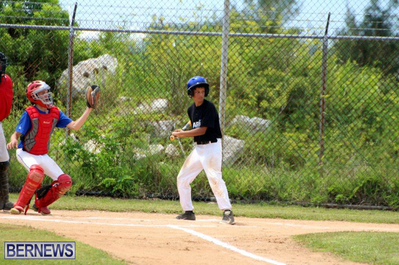 Yao-Baseball-Cubs-Marlins-Bermuda-June-29-2016-18
