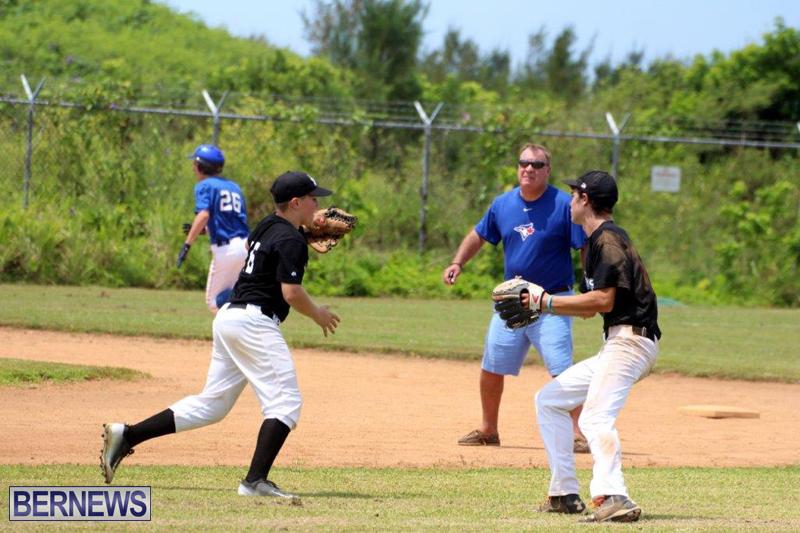 Yao-Baseball-Cubs-Marlins-Bermuda-June-29-2016-7