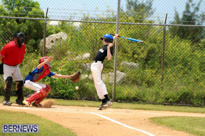Yao-Baseball-Cubs-Marlins-Bermuda-June-29-2016-9
