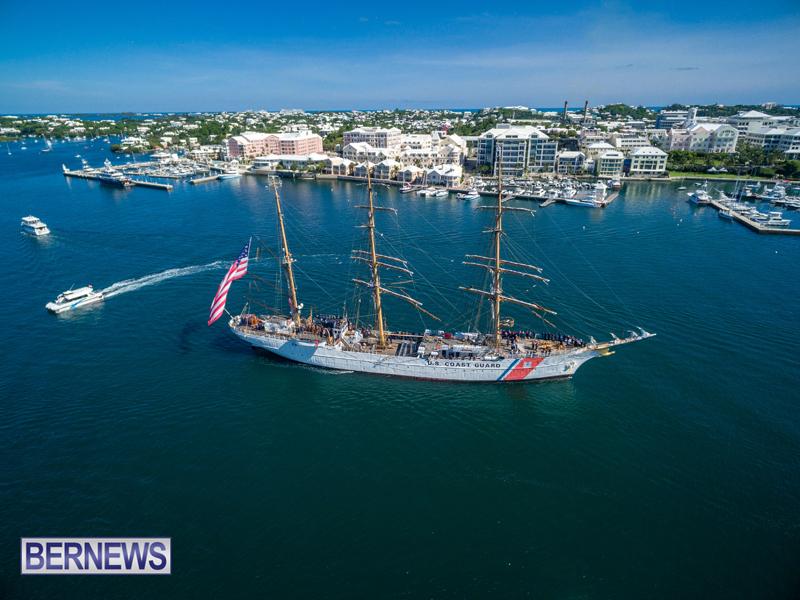 Eagle Enters Hamilton Bermuda July 13 2016 (2)