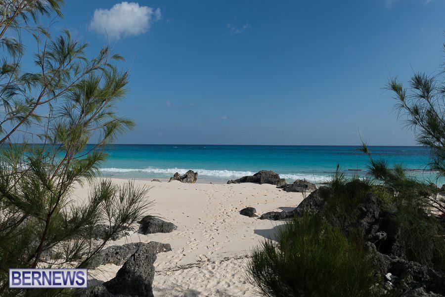 449 Beautiful Day On Island Bermuda Generic August 2016