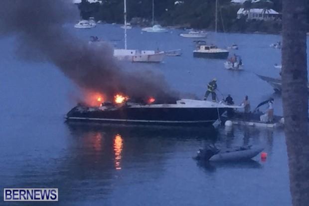 Boat Fire In Sandys Bermuda August 21 2016  (4)