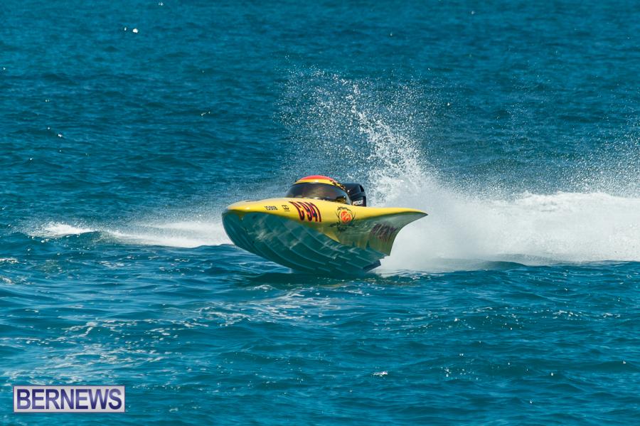 JM-2016-Around-the-Island-powerboat-race-10
