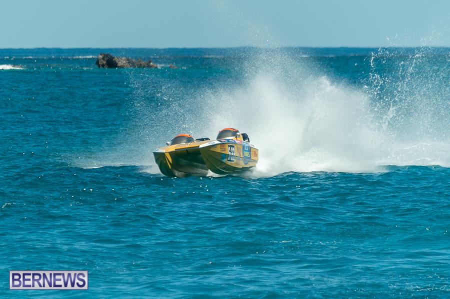 JM-2016-Around-the-Island-powerboat-race-110