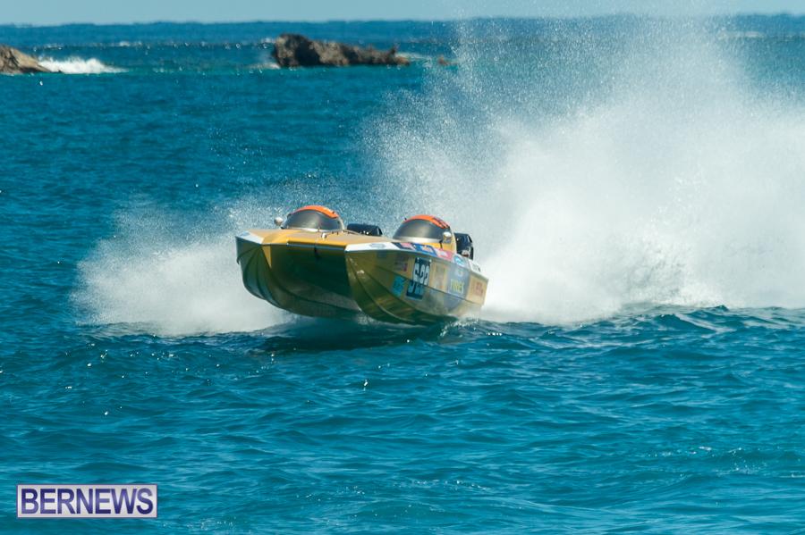 JM-2016-Around-the-Island-powerboat-race-111