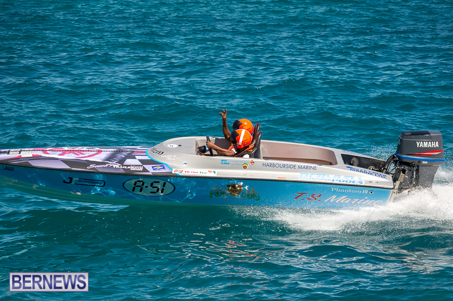 JM-2016-Around-the-Island-powerboat-race-218