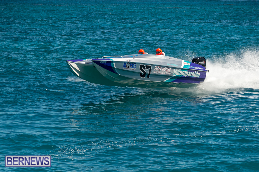 JM-2016-Around-the-Island-powerboat-race-229