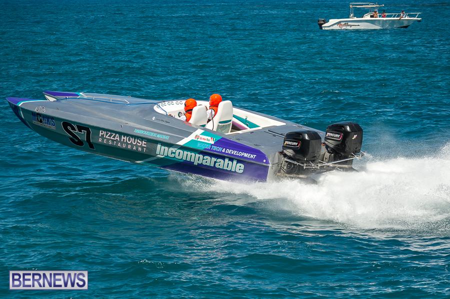 JM-2016-Around-the-Island-powerboat-race-240