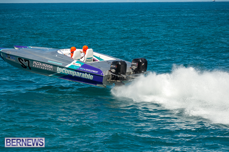 JM-2016-Around-the-Island-powerboat-race-242